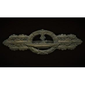 Kriegsmarine U-boat front clasp in bronze by Schwerin Berlin