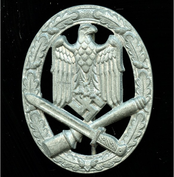 """General assault badge by unknown maker """"cupal maker"""""""