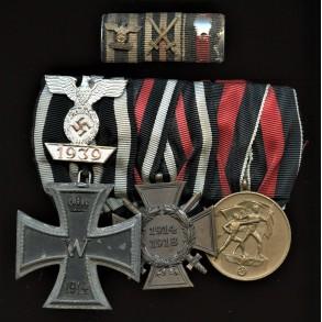 3 place medal bar with iron cross clasp 2nd class by Boerger, one piece Petz & Lorenz EK2 + ribbon bar