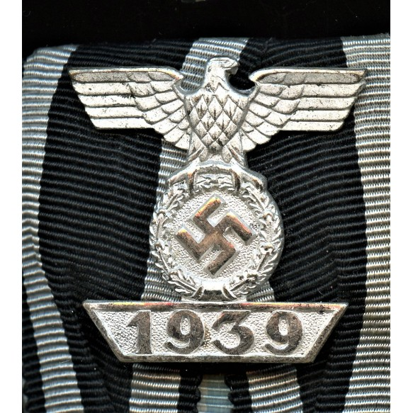 2 place medal bar with iron cross clasp 2nd class by Wilhelm Deumer