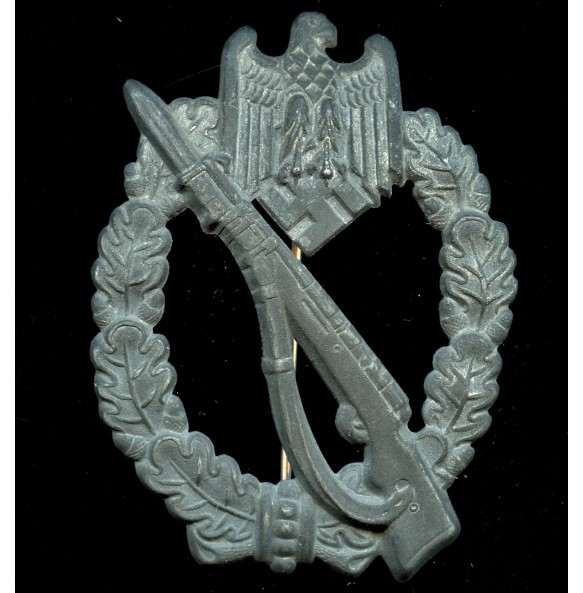 Infantry assault badge in silver by Berg & Nolte
