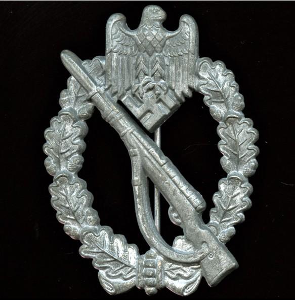 """Infantry assault badge in silver by Funke & Brünninghaus """"L/56"""""""