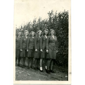 """Private snapshot group of """"Blitzmadel"""" 1944"""