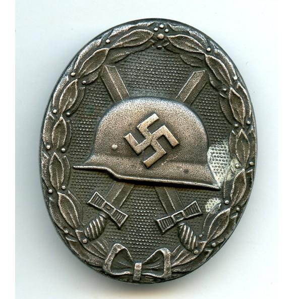"""Wound badge in silver """"Deschler design"""""""