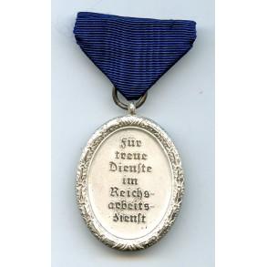 RAD 8 year service medal