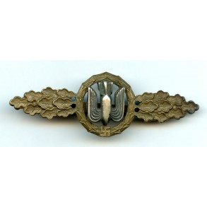 Luftwaffe bomber clasp in bronze by C.E. Juncker
