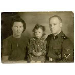 Portrait LSSAH SS-Sturmmann with family