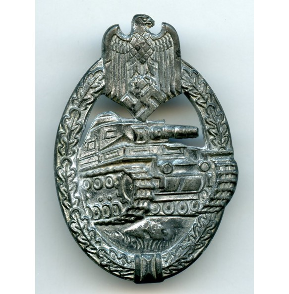 "Panzer assault badge in silver ""Rocky"" variant"