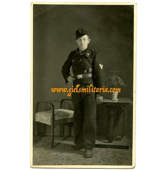 Portrait photo panzer crew member in Italy 1944
