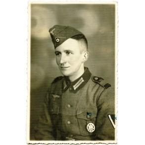 Portrait Panzerjäger with freshly awarded general assault badge