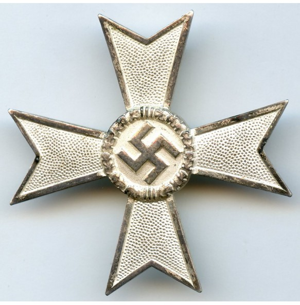 "War merit cross 1st class by Karl Gschiermeister ""50""	Wien"
