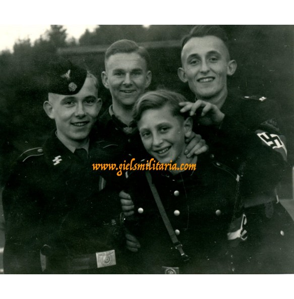 "Private snapshot HJ ""AHS Frankfurt am Main"" and SS Panzer ""Der Führer"" boys (2)"