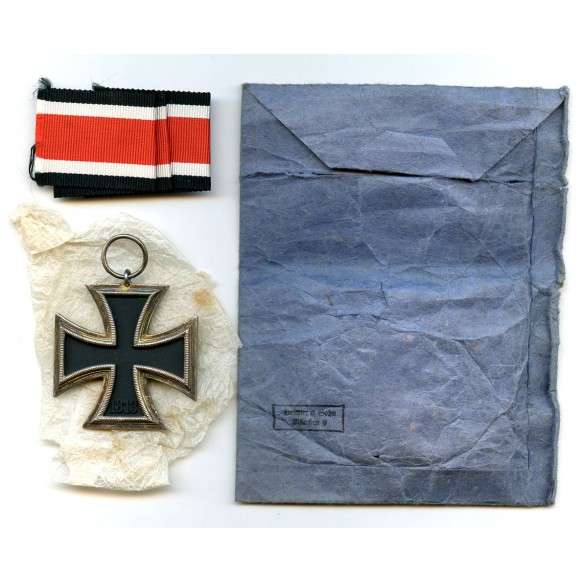"Iron cross 2nd class by Deschler & Sohn ""round 3"" + package"