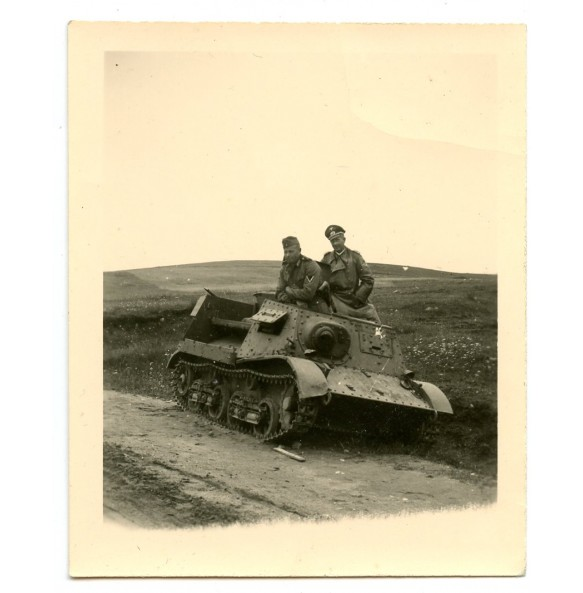 Private snapshit officer in enemy tank