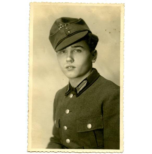 Portrait RAD member with M43 cap 1943