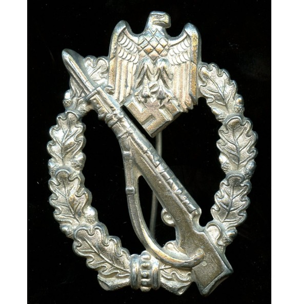 Infantry assault badge in silver by ShuCo41