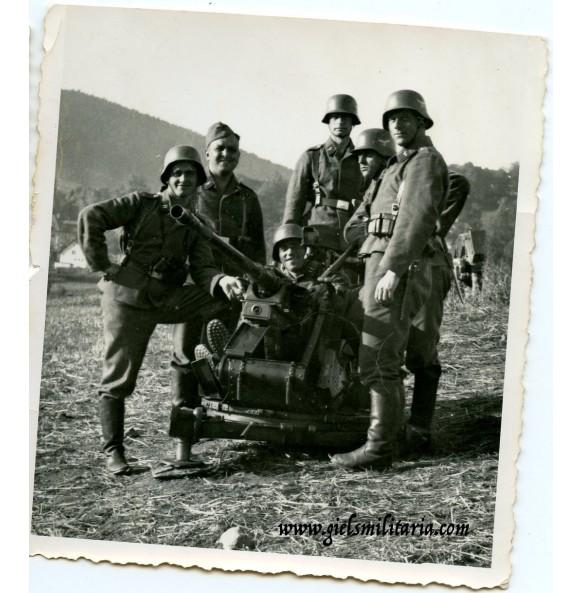 Private snapshot Luftwaffe Flak ground team