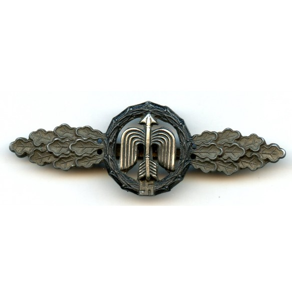 Luftwaffe fighter clasp for night fighter pilot in bronze by C.E. Juncker