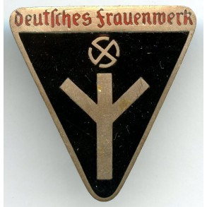 "Female worker membership pin by Rudolf Reiling  ""M1/25"""