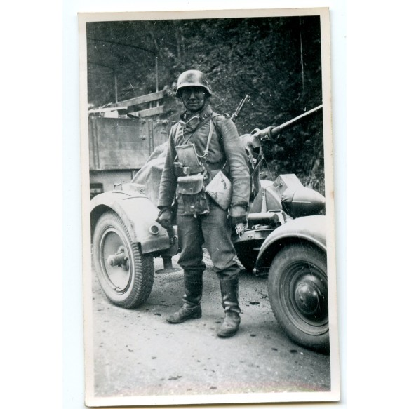 Private snapshot fully equipped Luftwaffe flak soldier