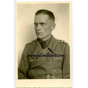 Portrait decorated  self-propelled artillery member