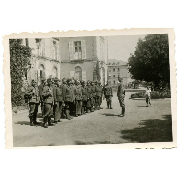 Private snapshot captured French soldiers at field Lazarett