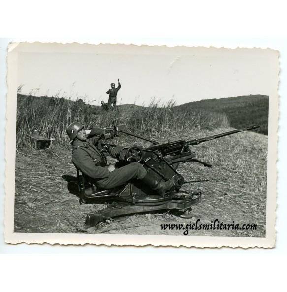 Private snapshot flak gun in the field