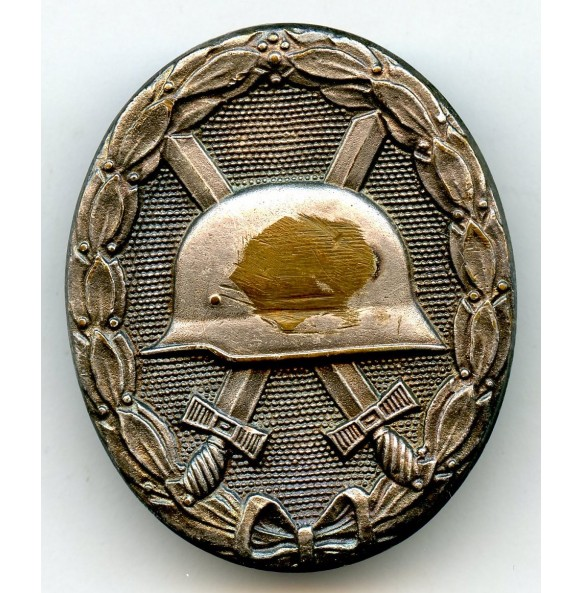 Wound badge in silver by Deschler & Söhn, early variant