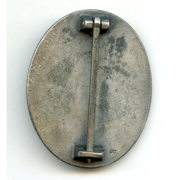 "Wound badge in silver by Hermann Wernstein ""L/17"", wide pin variant"