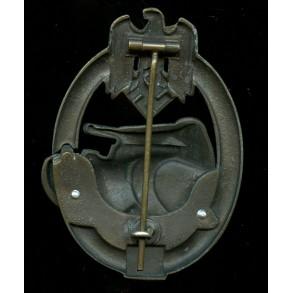 Panzer assault badge in bronze 25 assaults by C.E. Juncker