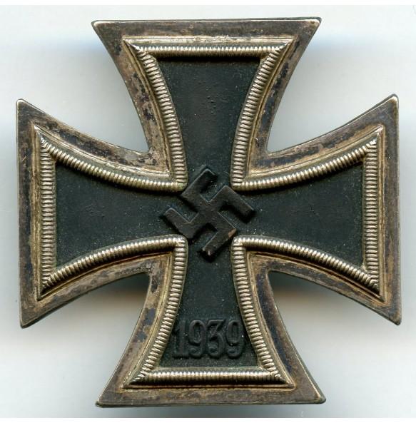 Iron cross 1st class by Arbeitsgem. der Hanauer Plakettenherst.