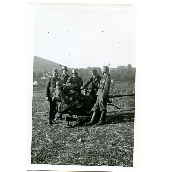 Private snapshot flak gun in the field