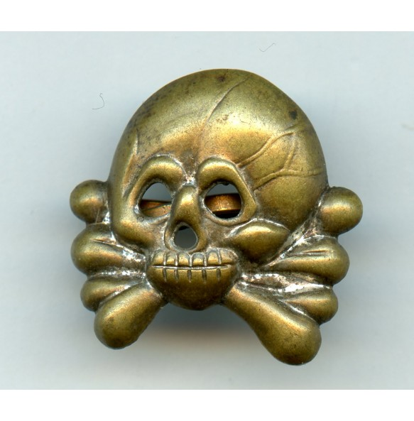 Panzer collar tab skull, early variant