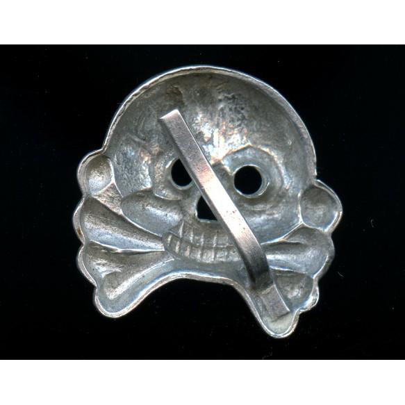 Panzer collar tab skull