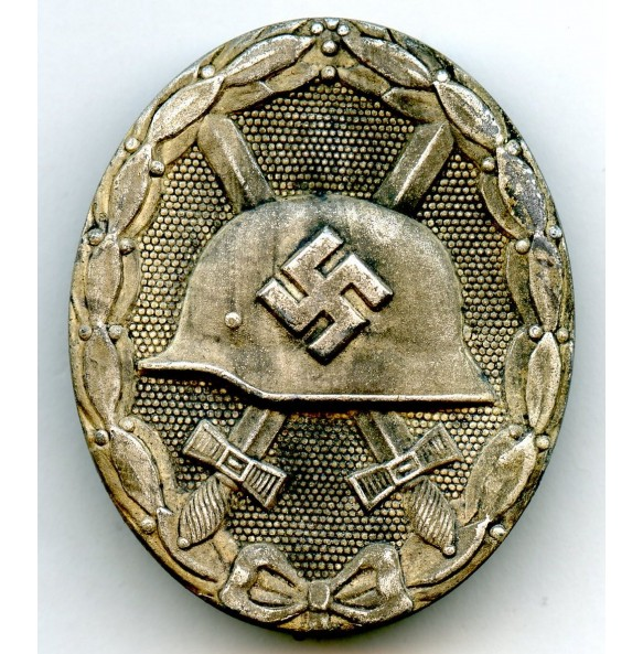"Wound badge in silver by B. H. Mayer ""26+26"""