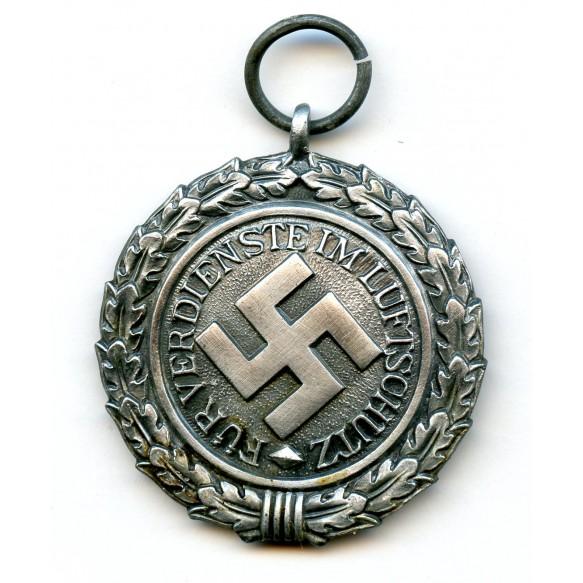 Luftschutz medal by Katz & Deyhle + package