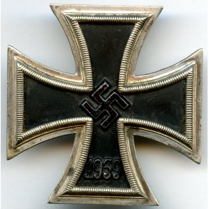 Iron cross 1st class by P. Meybauer, early pin