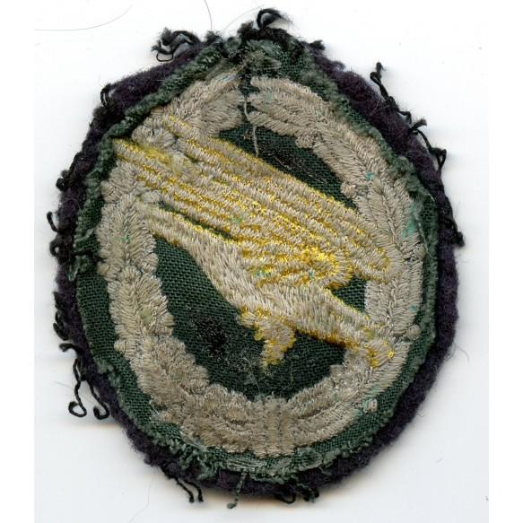 Paratrooper badge in cloth