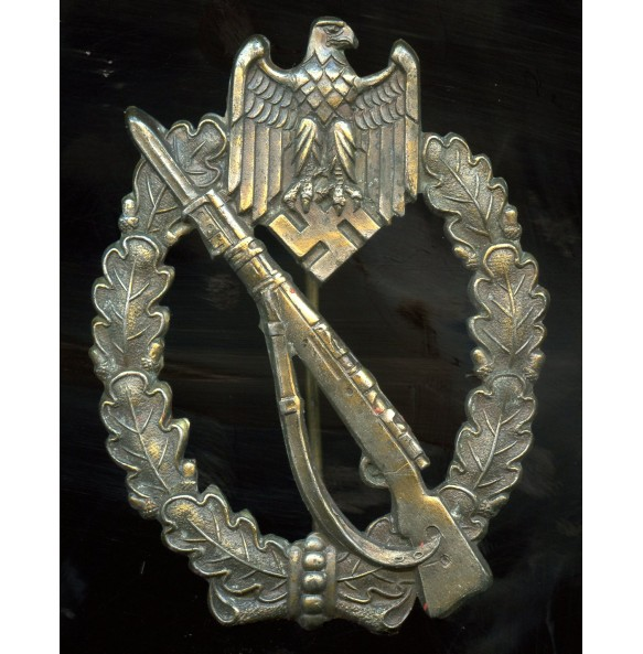 Infantry assault badge in bronze by A. Rettemaier