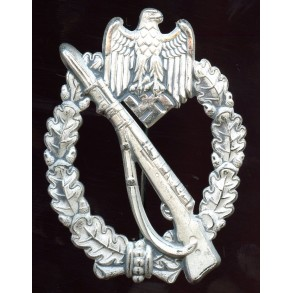 "Infantry assault badge in silver ""egghead"" MINT"