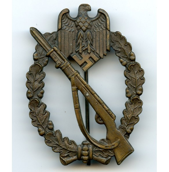 Infantry assault badge in bronze by P. Meybauer, early variant