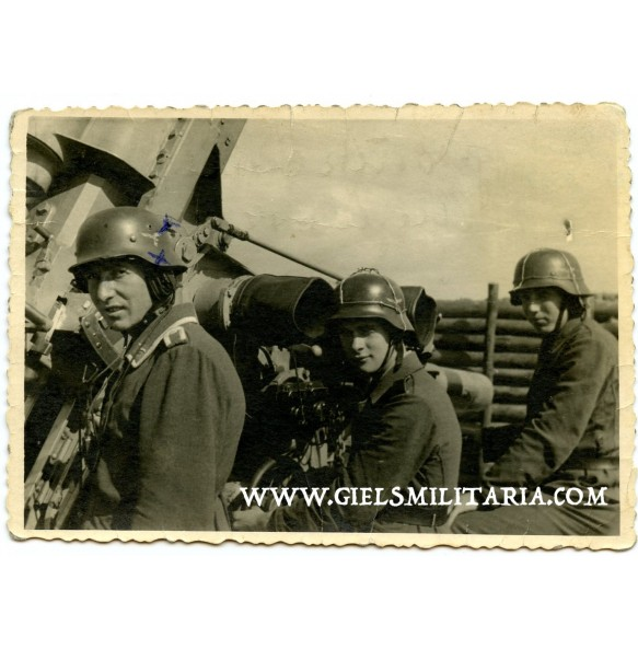 Private snapshot HJ flak helpers with wire helmet!