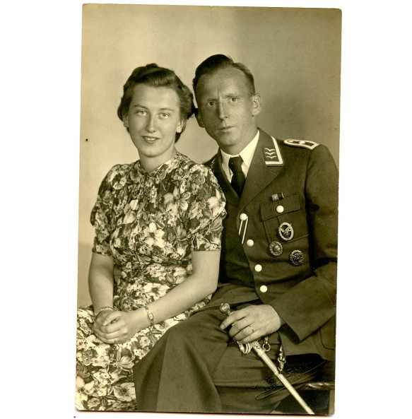 Portrait highly decorated Luftwaffe Radio operator with dagger