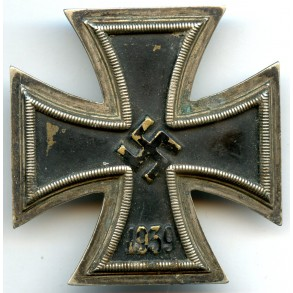Iron cross 1st class by B.H. Mayer, non magnetic!!!