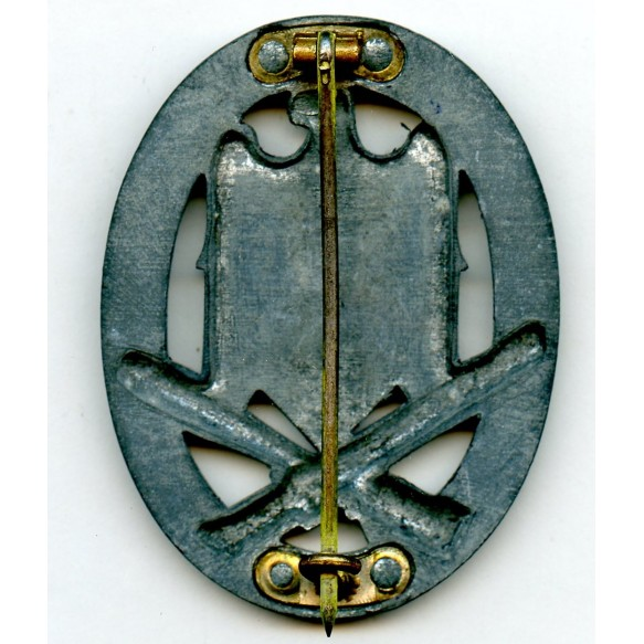 "General assault badge ""4 rivet"""