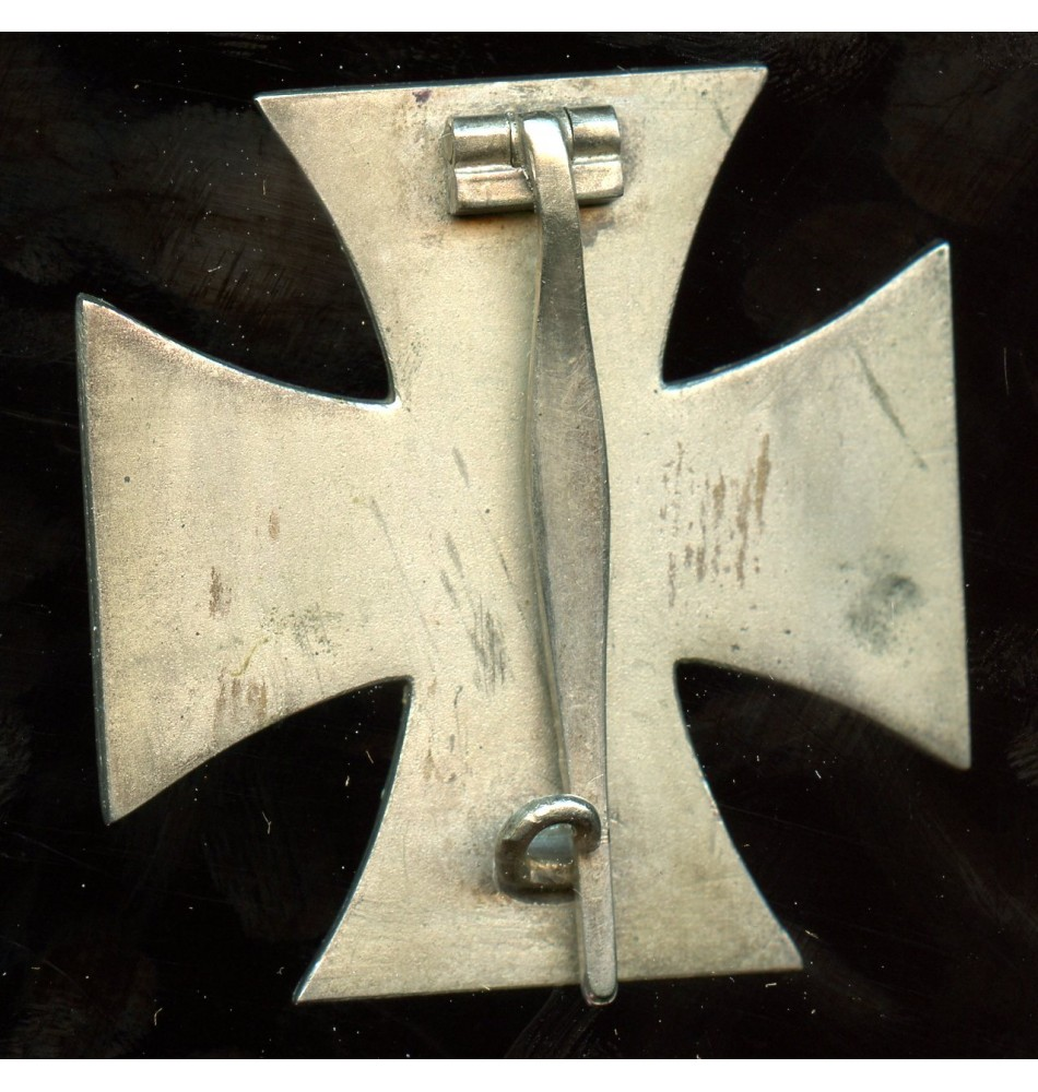 Iron cross 1st class by F  Orth with RS frame, non magnetic!