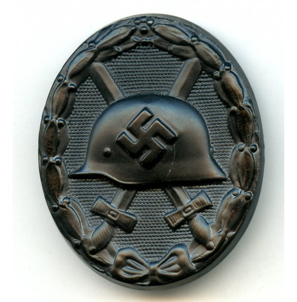 "Wound badge in black by Fritz Kohm ""129"""
