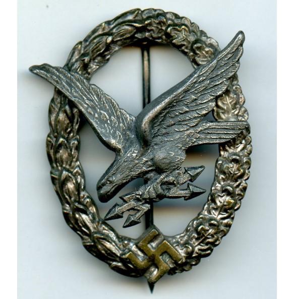 "Luftwaffe radio operator / airgunner badge by C.E. Juncker ""J4"""
