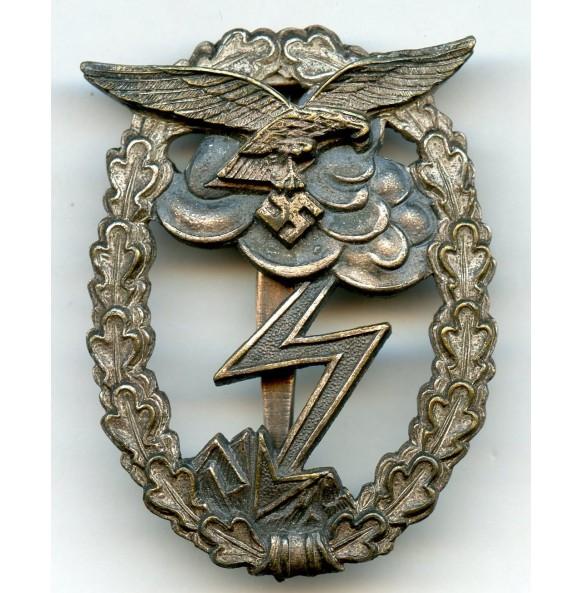 Luftwaffe ground assault badge by M.u.K.5, Gablonz