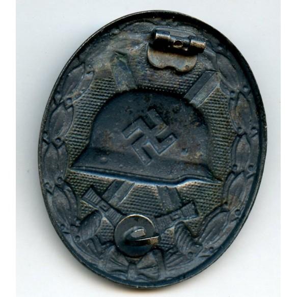 Wound badge in silver by Deschler & Sohn